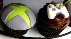 xbox cupcakes.. i can't believe i'm pinning this.. I'll probably make these for him sometime.. lol