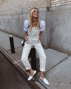 NEW LINEN OVERALLS! Now live the softest best fitting linen overalls you'll ever find! Available in white black and neutral… White Overalls, Overalls Outfit, Dungarees, Danielle Bernstein, We Wear, How To Wear, Street Style Summer, Feminine Style, Feminine Fashion