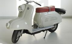 While everyone's talking about the C 600 Sport and C 650 GT Maxi-Scooters from BMW Motorrad, spare a thought for the R 10 prototype scooter of the early 1950s, which came so close to making it into serial production before the plug was pulled on the project by the Board in favor of the BMW Isetta car.