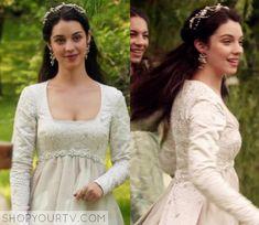 Reign: Season 3 Episode 1 Mary's White Gown