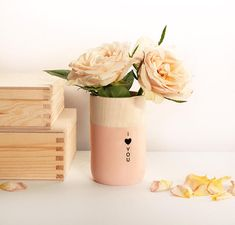 Personalized Wooden Vase with engraved phrase I