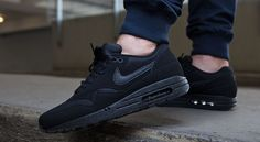 Nike Air Max 1 Essential-Black-Black-1
