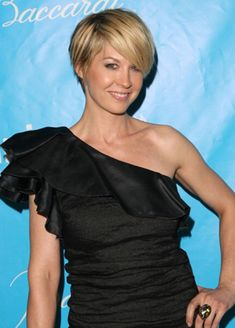 Jenna Elfman New Short Hairstyle / Short Hair styles and Cuts