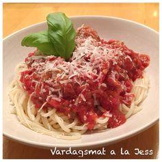 Vardagsmat a la Jess - Frikadeller i tomatsås