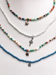 Hamsa Necklace / Diamond Hamsa Necklace with Brilliant Cut Round Diamonds in Micro Pave Setting / Good Luck Necklace - Fine Jewelry Ideas Cute Jewelry, Diy Jewelry, Beaded Jewelry, Jewelry Accessories, Handmade Jewelry, Jewelry Making, Beaded Necklaces, Beaded Choker Necklace, Making Bracelets