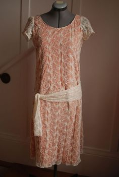 A dress for a Gatsby afternoon. Free pattern on blog