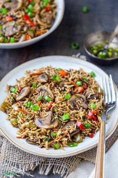 A flavorful Indo-Chinese recipe that is easy to make and ready in 20 mins. It is loaded with mushrooms and a great tasty way to use up leftover rice. Vegan and meal-prep friendly!! #veganfood #friedrice #mushrooms #indochinese #chinesefood #rice Indo Chinese Recipes, Vegan Indian Recipes, Chinese Food, Vegan Recipes, Ethnic Recipes, Green Chili Sauce, Mumbai Street Food, Rice Dishes, Vegane Rezepte