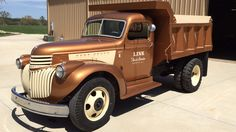 1945 Chevrolet Dump Truck presented as Lot at Louisville, KY Truck Flatbeds, Big Rig Trucks, Hot Rod Trucks, Dump Trucks, Cool Trucks, Pickup Trucks, Farm Trucks, Antique Trucks, Vintage Trucks