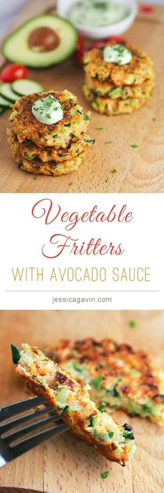 Crispy Vegetable Fritters with avocado yogurt dipping sauce (Vegan Dip Dill) Baby Food Recipes, Whole Food Recipes, Cooking Recipes, Dinner Recipes, Beef Recipes, Chicken Recipes, Vegetable Recipes, Vegetarian Recipes, Vegan Recipes
