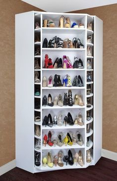Corner shoe storage with shoe cabinet plus shelf and shoe rack could be an optio. - Corner shoe storage with shoe cabinet plus shelf and shoe rack could be an option if you have a lar - Shoe Storage Design, Rack Design, Shelf Design, Diy Shoe Rack, Diy Casa, Shoe Display, Bag Display, Display Shelves, Book Shelves