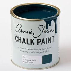 Głęboki niebieski.  Inspirowany klasycznymi dywanami Aubusson we Francji.  Idealny do szwedzkich wnętrz.