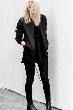 All black everything. Layering Outfits, Edgy Outfits, Colourful Outfits, Fashion Outfits, Minimal Outfit, Minimal Fashion, Tomboy Fashion, Look Fashion, Oufits Casual