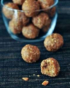 Savory BBQ Crunch Protein Balls -a complete 180 in the snack world - this five ingredient crunchy bite asks, who says snacks have to be sweet?      @spabettie