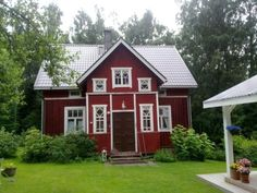 Love red houses because I grew up in one. :)