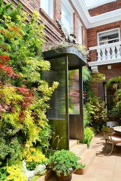 Vertical garden systems