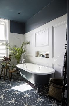 This Victorian terraced townhouse location is arranged over 5 floors was recently renovated to create a stylish and elegant family home. Modern Victorian Decor, Victorian Style Bathroom, Victorian Townhouse, Victorian Homes, Bathroom Renovations, Home Renovation, Beautiful Bathrooms, Bathroom Interior Design, Bathroom Inspiration