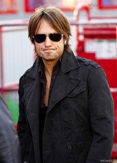 Keith Urban films new music video at the Santa Monica Pier in California - 11/18/09 12