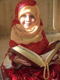 Learn Quran online with tajweed 1 month free trial classes for kids adults beginners on Skype. Quran tutor teach noorani qaida to start basic Arabic lessons. Young And Beautiful, Beautiful Children, Beautiful People, Beautiful Smile, Simply Beautiful, Muslim Girls, Muslim Women, Muslim Family, Cute Kids
