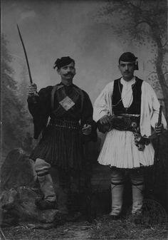 Greek Soldier, Greek History, Royal Guard, Greek Costumes, Greece, Dancer, Folk, Photos, Pictures