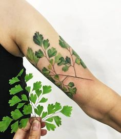 Tattoo artists are using real plants and flowers as stencils to create incredible nature tattoos. Find out more about botanical tattoos here!