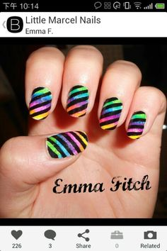 The nails are stripes and color plotted。nails love or hate?