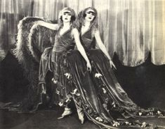 Dolly Sisters onstage 1923- Dolly Sisters - Wikipedia, the free encyclopedia