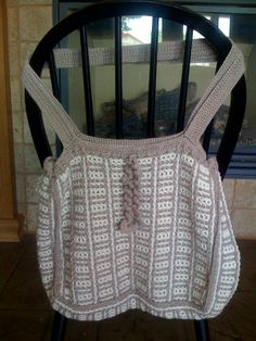 Bamboo Tote pattern available at Interlocking Crochet website containing free patterns, free videos and blogs dealing with Interlocking Crochet™.