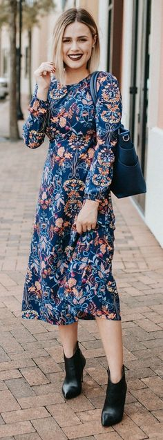 52 Lovely Floral Winter Outfit Ideas to Copy Right Now Fall Floral Dress, Floral Dress Outfits, Modest Outfits, Fall Dresses, Fall Outfits, Casual Dresses, Casual Attire, Long Dresses, Casual Outfits
