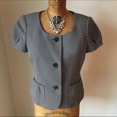Ann Taylor Short Sleeve Blazer Ann Taylor short sleeve black/white blazer. Size 8. Gently worn. Ann Taylor Jackets & Coats Blazers