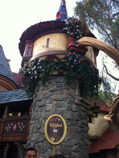 Rapunzel Lets Her Hair Down in Her New Cottage at Disneyland Tangled Party, Tangled Birthday, 3rd Birthday, Birthday Ideas, Creepy Disney, Non Disney Princesses, Going To California, Old Cottage, Disneyland Trip