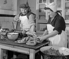 Time to make sausages, Vojvodina, Serbia (vintage photo) Serbian Recipes, Serbian Food, Prosciutto, Macedonia, Hungary, Vintage Photos, 1, Traditional, Flower Aesthetic