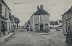 Route de Nemours  a droite se trouve la  boulangerie