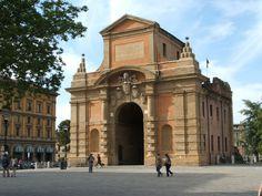 Immagine di https://upload.wikimedia.org/wikipedia/commons/4/4a/Bologna-Porta_Galliera-DSCF7233.JPG.