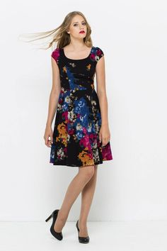 sukienka w kwiaty od VISSAVI