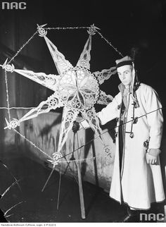 Polish kolędnik [traditional performer of an ancient Slavic winter ritual/festival, later incorporated into Christmas] with his handmade star 1937 Poland Culture, Dream Symbols, Polish Christmas, Visit Poland, Flower Of Life, Winter Solstice, My Heritage, Art Background, Sacred Geometry