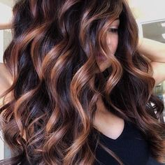 Balayage is the most popular way of dyeing hair in recent years. If you want to try balayage hair, please take a look at our collection of balayage hair color ideas which can bring you new inspiration, try it boldly! Spring Hairstyles, Short Hairstyles, Weave Hairstyles, Wedding Hairstyles, Hair Color Balayage, Balayage For Curly Hair, Balayage Hair Caramel, Ombre Hair Color, Wavy Hair