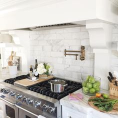 Kitchen Hood with marble tile backsplash. Kitchen Hood with marble tile backsplash. Kitchen Redo, Kitchen Backsplash, New Kitchen, Kitchen Remodel, Kitchen Dining, Backsplash Ideas, Beautiful Kitchens, Cool Kitchens, White Kitchens