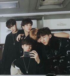 🌻stray kids🌻- lee know, han, hyunjin, felix & changbin Lee Min Ho, K Pop, Sung Lee, K Wallpaper, Wattpad, Kid Memes, Animes Wallpapers, Kpop Boy, Boyfriend Material