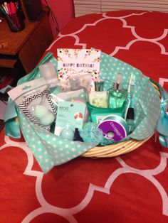 Color themed gift basket for a birthday! Color themed gift basket for a birthday! Themed Gift Baskets, Diy Gift Baskets, Raffle Baskets, Cute Christmas Gifts, Christmas Gift Baskets, Christmas Christmas, Christmas Sweaters, Birthday Gifts For Best Friend, Best Friend Gifts