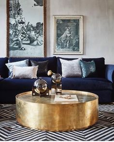 Totally feeling the navy mood in this old world vibe living room ? Totally feeling the navy mood in this old world vibe living room ? Blue Velvet Sofa Living Room, Blue And Gold Living Room, Blue Living Room Decor, Living Room Color Schemes, Elegant Living Room, Living Room Sofa, Living Room Designs, Dark Blue Couch, Navy Blue Sofa