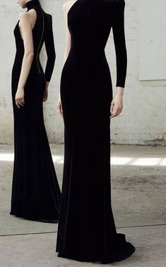 Get inspired and discover Alex Perry trunkshow! Shop the latest Alex Perry collection at Moda Operandi. Elegant Dresses, Cute Dresses, Beautiful Dresses, Prom Dresses, Alex Perry, Neue Outfits, Gowns With Sleeves, Mode Style, Dress To Impress