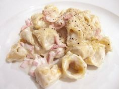 Italian food -Tortellini panna e prosciutto