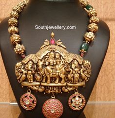 Temple Jewellery - Page 2 of 4 Latest Indian Jewelry - Jewellery Designs Gold Temple Jewellery, India Jewelry, Gold Jewelry, Gold Necklaces, Indian Jewellery Design, Jewelry Design, Indian Wedding Jewelry, Bridal Jewellery, Fashion Jewellery