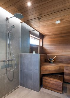 People have been enjoying the benefits of saunas for centuries. Spending just a short while relaxing in a sauna can help you destress, invigorate your skin Diy Sauna, Home Spa Room, Spa Rooms, Sauna Steam Room, Sauna Room, Modern Saunas, Sauna Shower, Shower Enclosure, Sauna Design