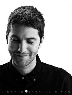 Jim Sturgess - who sounds like Jonathan Pryce in Close to the Enemy? Gorgeous Men, Beautiful People, Pretty People, Beautiful Places, Short Hair Man, Hot British Men, British Boys, Jim Sturgess, Beatles Songs