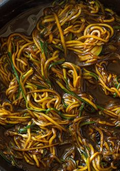 Try these spiralized zucchini recipes at home. They are quick, healthy and simply delicious.