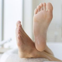 How to Get Rid of Stinky Feet? 6 Natural Ways