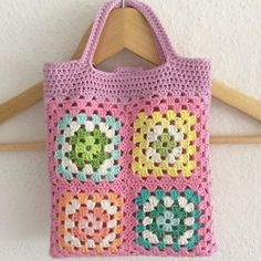 Transcendent Crochet a Solid Granny Square Ideas. Inconceivable Crochet a Solid Granny Square Ideas. Beau Crochet, Mode Crochet, Crochet Shell Stitch, Crochet Diy, Crochet Tote, Crochet Handbags, Crochet Purses, Crochet Gifts, Blanket Crochet