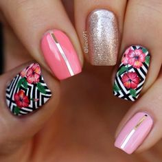 Tropical Flower Nail Art With Hibiscus Bloom ❤️ Tropical nails are the best design for summertime madness since summer is the time of sun beach and vacations. Make your choice and rock the summer right! ❤️ See more: Tropical Flower Nails, Tropical Nail Designs, Tropical Nail Art, Tropical Vibes, Tropical Design, Hibiscus Nail Art, Cute Nail Art, Cute Nails, My Nails