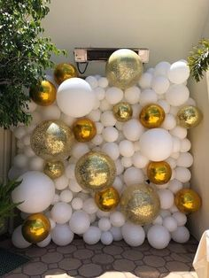 Balloon Wall, Balloons, Ornament Wreath, Ornaments, Wreaths, Home Decor, Globes, Decoration Home, Door Wreaths